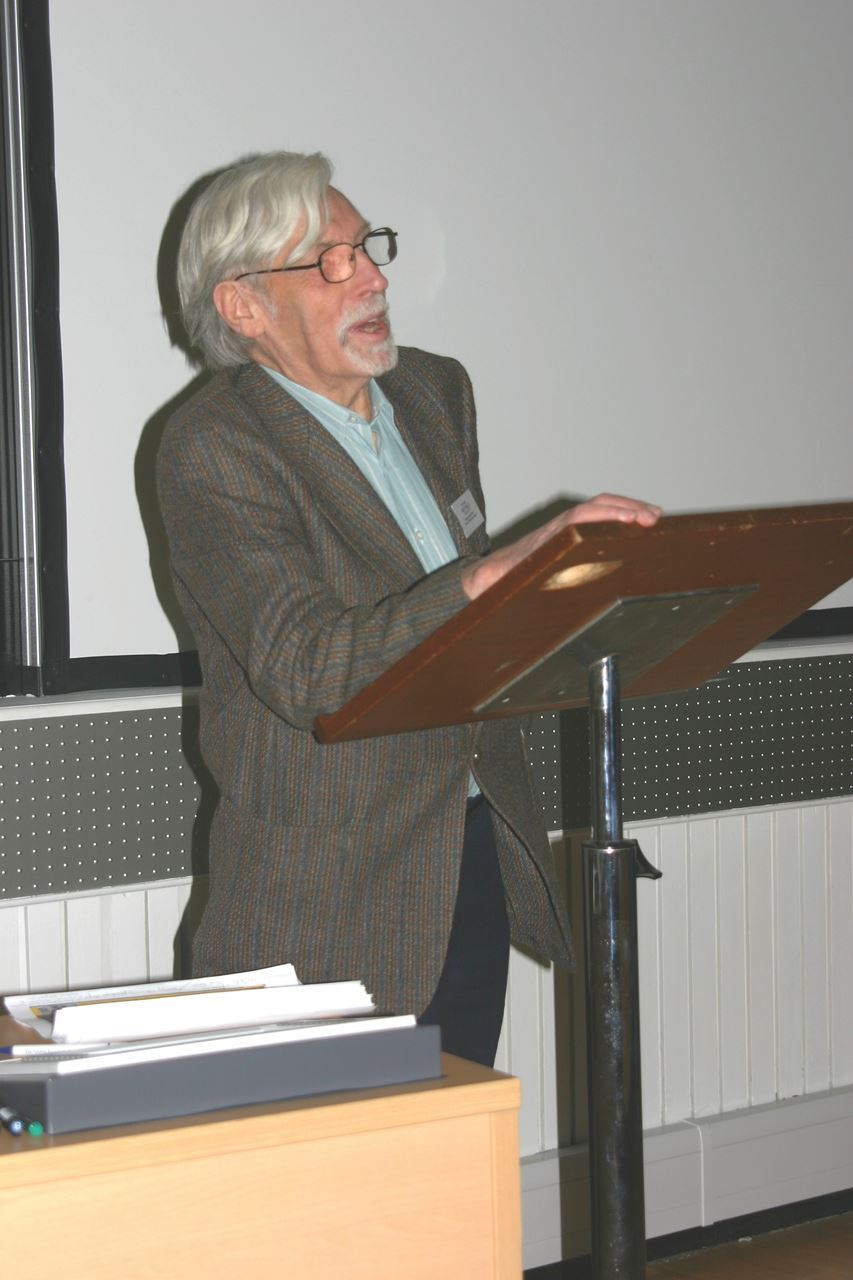 Paul Oliver at the Vernacular Architecture in the Twenty-First Century held in Oxford in 2006. The conference was in held in his honor. A volume of conference essays was edited by Marcel Vellinga and Lindsay. Photo Credit, Simon Bronner.