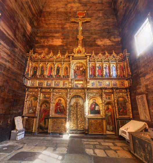 Iconostasis, Church of the Descent of the Holy Spirit, Rohatyn. Photo courtesy of Myron Stachiw.